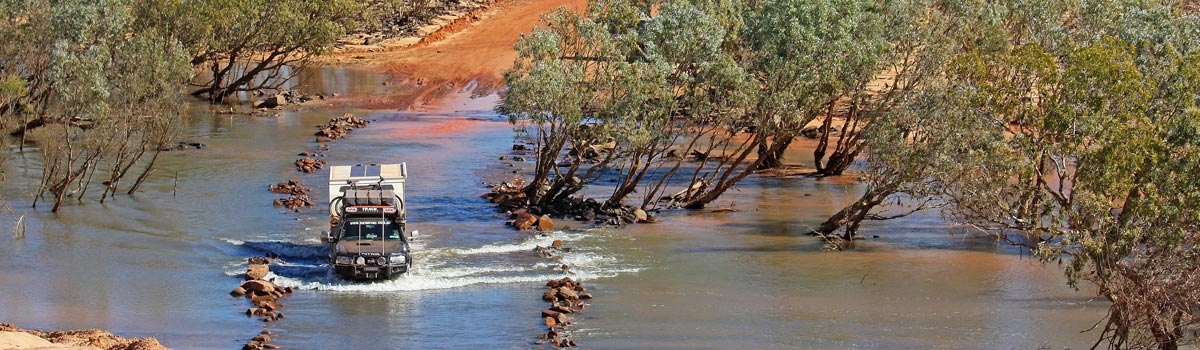 4WD River crossing
